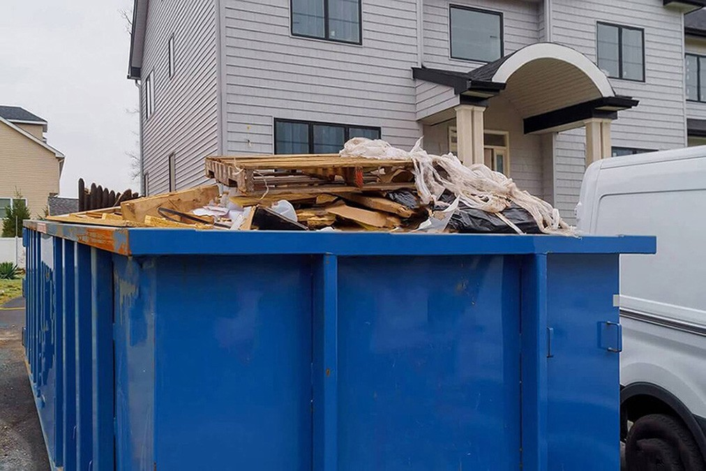 Services-Lexington Dumpster Rental & Junk Removal Services-We Offer Residential and Commercial Dumpster Removal Services, Portable Toilet Services, Dumpster Rentals, Bulk Trash, Demolition Removal, Junk Hauling, Rubbish Removal, Waste Containers, Debris Removal, 20 & 30 Yard Container Rentals, and much more!